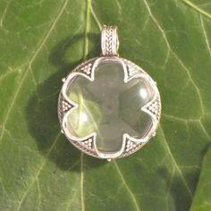 Bergkristallanhänger Linse in sechsgeteilter Silberfassung