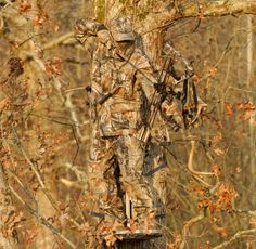 everything camo   camo patterns in action: A hunter wearing Realtree AP ™ camo ...