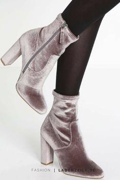 http://www.ladenzeile.de/detail/693466196/?utm_medium=social&utm_source=pinterest_org&utm_campaign=test1&utm_content=1017_all____test1&utm=dynamic suede grey shoes heels chunky