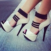 Shoespie Ankle Wrap Peep Toe Platform Heels