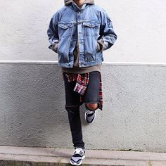 Layering is a huge part of men's fashion, especially when it comes to streetwear. Layering adds a whole new dimension to an outfit and can make a boring basic outfit into a fashionable one. The best way to explain proper layering is by showing you, so we've got some excellent examples that show the different ways …