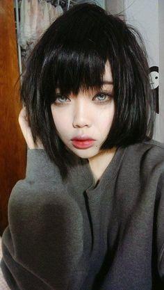 人のこと大嫌い selfie style portrait of a girl short black hair Hair Inspo, Hair Inspiration, 3 4 Face, Photographie Portrait Inspiration, Pinterest Hair, Grunge Hair, Ulzzang Girl, Woman Face, Cute Hairstyles