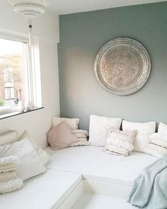 Just a quick shot from my new painted wall in my Moroccan - Scandinavian style lounge. From white to black to sea green :). Morrocan Decor, Moroccan Bedroom, Moroccan Interiors, Contemporary Lounge, Home And Living, Living Room, Style Lounge, Shelves In Bedroom, Deco Design