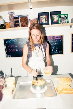 Arriving at our personal Mecca (Momofuku Milk Bar HQ), we indulge in an exclusive sesh with Christina Tosi, the genius behind sugar-high inducing Crack Pie Momofuku Recipes, Chef Recipes, Baking Recipes, Bar Recipes, Milk Bar Christina Tosi, No Bake Desserts, Dessert Recipes, Baking Store, Crack Pie