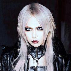 Vocal: ARYU //  new band Morrigan //Visual Kei // J-rock