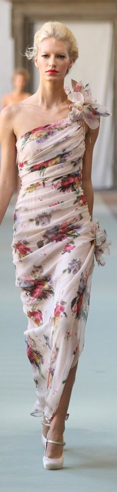 Luisa Beccaria Spring 2012 | The House of Beccaria. Very vintage modern Mad Men Betty Draperish