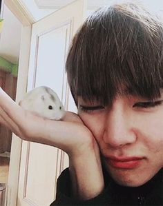 In which Kim Taehyung is a fanboy of Park Jimin and posting enthusiasts of Park Jimin's picture. Namjoon, Jimin Jungkook, Hoseok, Kim Taehyung, Seokjin, Bts Bangtan Boy, Foto Bts, Taekook, Bts Memes