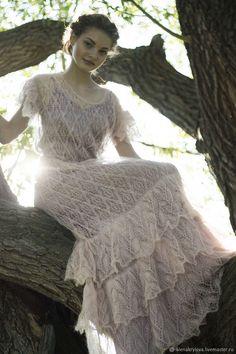 """Купить или заказать Вечернее платье """"Matilda"""" в интернет магазине на Ярмарке Мастеров. С доставкой по России и СНГ. Материалы: 70% кидмохер, 30% полиамид, шифон. Размер: 42-44"""
