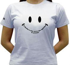 Camiseta O sorriso é uma curva que aproxima as pessoas.