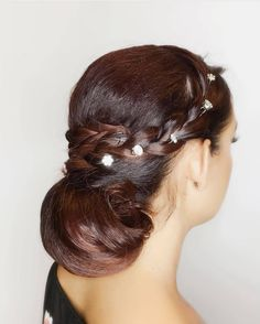 Hair Styling Services Or Men And Women- professional hairstyles wedding professional hairstyles for teens Wedding Hair Tips, Beach Wedding Hair, Classic Hairstyles, Braided Hairstyles For Wedding, Latest Hairstyles, Bride Hairstyles, Hairstyles Haircuts, Professional Hairstyles For Men, Hairstyles With Glasses