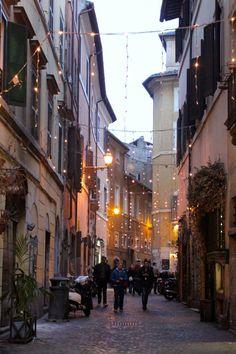 trastevere street at christmas