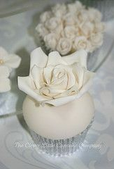 \♡♡/ by The Clever Little Cupcake Company