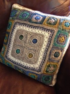 Ravelry: chitweed's Porthole Square Pillow