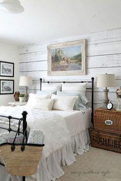 Classic and Vintage Farmhouse Bedroom Ideas 47
