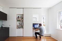 Australian architect Brad Swartz won the 2015 Houses Awards for Best Apartment  for a 27-square meter apartment in Darlinghurst, Sydney. Gizmag.