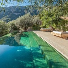 Good looking photo Swimming Pool Fountains, Swimming Pool House, Luxury Swimming Pools, Natural Swimming Pools, Dream Pools, Pool Bad, My Pool, Lush Garden, Garden Pool