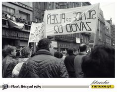 Sametová revoluce v Plzni.Náměstí republiky. Foto Pavel Dolejš. Broadway Shows, Banner, Art, Banner Stands, Art Background, Kunst, Performing Arts, Banners, Art Education Resources