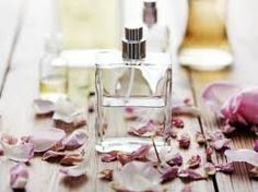 So you want to make a patchouli oil perfume? You have come to the right place :) We love perfume recipes, there is something so satisfying about creating your own scent. In this article, you Patchouli Perfume, Patchouli Oil, Fragrance Parfum, Perfume Oils, Perfume Bottles, Perfume Angel, Perfume Light Blue, Beauty Products, Spring Cleaning
