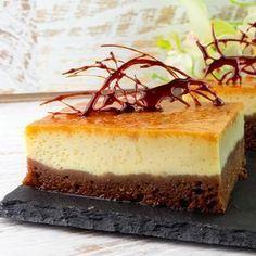 """Încercați prăjitura specială """"Chocoflan""""de care vă veți îndrăgosti imediat, cu o structură interesantă și cu o gamă variată de culori, veți fi încântaţi de alegerea făcută. Este o rețetă cu ingrediente foarte simple și ușor"""