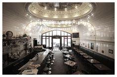 Café Paris in Hamburg