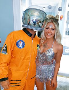 Alien and astronaut costumeAlien and astronaut costume, Alien astronaut costume Carnivalcostumecaribbean Carnivalcostumecircus Money outfit for this lady Inspirational Ladies - New Ideas - New IdeasLady Ladies This for money outfit ideas best Disfarces Halloween, Halloween Mignon, Popular Halloween Costumes, Cute Couple Halloween Costumes, Halloween Couples, Halloween Recipe, Halloween Parties, Cute Couples Costumes, Halloween College