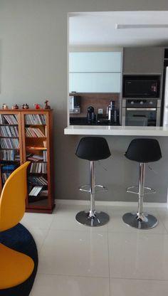 Apartamento Masculino, Apartamento para solteiro, Apartamento Barra da Tijuca, Cool Apartment, Man's apartment, Varanda Integrada, Panton Chair, Cozinha integrada, Cozinha Americana