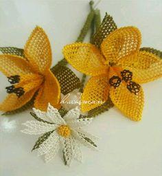 Styles P, Needle Lace, Diy Flowers, Elsa, Needlework, Crochet Necklace, Arts And Crafts, Costume, Amanda
