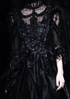 Style Haute Couture, Couture Fashion, Runway Fashion, Dark Fashion, Gothic Fashion, High Fashion, Vampire Fashion, Mode Sombre, Yennefer Of Vengerberg