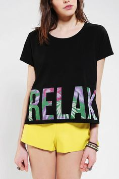 Workshop Relax Text Cropped Tee