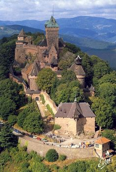 How's this for a fairytale castle? This medieval castle is Chateau du Haut Koenigsbourg, located in Orschwiller, of the Alsace region of France. Beautiful Castles, Beautiful Buildings, Beautiful Places, Castle Ruins, Medieval Castle, Places To Travel, Places To Visit, Belle France, French Castles