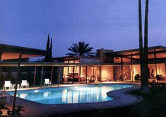 This mid-century modern house in Palm Springs, California, was designed by E. Stewart Williams for Frank Sinatra in 1947.