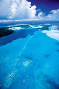 New Caledonia - so crisp and blue.... sigh <3