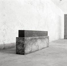 "Concrete space – ""Liegende Säule II = Lying column II"" 1987 by Hubert Kiecol in Galerie Max Hetzler, Berlin, Germany"