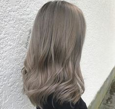 light ashy blonde hues to dark ones, these must-see 2019 ash hair colour id. -From light ashy blonde hues to dark ones, these must-see 2019 ash hair colour id. - Brown Hair Colors Wheat Blonde Seamless Tape Ins Dark Ash Blonde Hair, Ashy Hair, Ash Brown Hair Color, Light Brown Hair, Brunette Hair, Ash Grey Hair, Hair Colour Grey, Silver Ash Hair, Cool Brown Hair