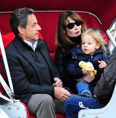 Carla Bruni et Nicolas Sarkozy : balade à Central Park en famille! - lesoir.be