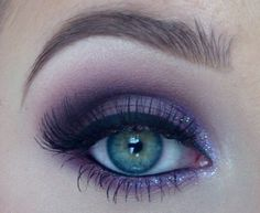 A gorgeous #smokey eye look in violets and purples to create this weekend! #makeup #beauty #women #trends