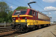 SNCB/NMBS Class 1181  at 19.04.2011 on Station Schaerbeek/Schaarbeek   by Eifelmike 54