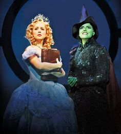 Alli Mauzey (Glinda) and Nicole Parker (Elphaba) in the Broadway production I saw last year :)