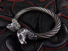 GABORATORY Eagle Stainless Wire Bangle