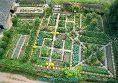 Awesome Contemporary Garden Potager in Your Home Potager Garden Layout Potager Garden, Veg Garden, Vegetable Garden Design, Edible Garden, Garden Landscaping, Vegetable Gardening, Plan Potager, Garden Design Plans, Garden Gazebo