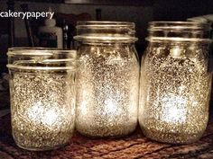 Holiday Mason Jar candles Mason jars, Elmer's glue watered down with water. Paint the inside of jar with glue mixture, sprinkle glitter inside and turn jar to coat the inside. Shake out extra glitter. Allow glue to dry. Add a tea light to the jar. Diy Projects Using Mason Jars, Mason Jar Crafts, Mason Jar Diy, Bottle Crafts, Glitter Mason Jars, Mason Jar Candles, Glitter Candles, Glitter Glue, Diy Candles