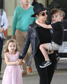 Nicole Richie and Harlow Madden - Nicole Richie and Her Kids Arrive in LA - May 31, 2013