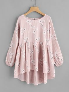 SheIn offers Calico Print Frill Hem Babydoll Blouse & more to fit your fashionable needs. Look Fashion, Hijab Fashion, Girl Fashion, Fashion Dresses, Fashion Styles, Stylish Dresses, Casual Dresses, Designs For Dresses, Girls Fashion Clothes