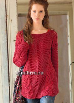 Красный пуловер в стиле оверсайз. Вязание спицами  Свободный пуловер насыщенного красного цвета,  в котором диагональные «косы» сказочно красиво гармонируют с просвечивающими сетчатыми узорами