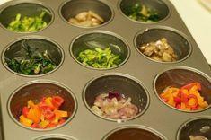 Piccole e sfiziose frittatine di verdure miste, cotte al forno, ideali come antipasto e per accompagnare l'aperitivo. Gustose e leggere!