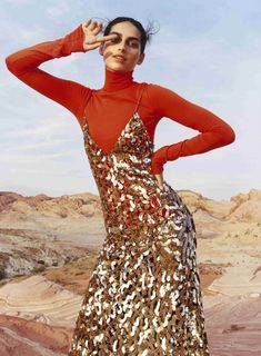 """Vogue: """"Rise and Shine: See the Best Metallic Looks for Fall: Fall's hard-hitting metallics bring cosmic cool down to the streets—and translate spaceman shimmer into sporty chic. Vogue Editorial, Editorial Fashion, Vogue Fashion, Fashion Shoot, Look Fashion, Winter Fashion, Sporty Fashion, Sporty Outfits, Fashion 2017"""