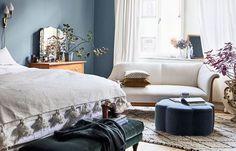 Amelia Widell är ELLE Decorations nya bloggare! Här är hennes hem – en bekväm Sofo-riad med en sensuell mix av sköna material, egen design och härliga färger där vackra hotellmiljöer...