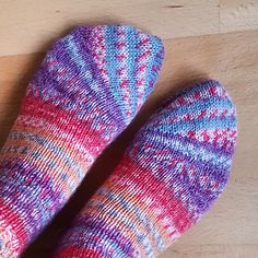 Knitting Patterns Slippers Ravelry: Tipsy Toe Socks pattern by Sybil R Lace Patterns, Pdf Sewing Patterns, Knitting Patterns Free, Free Pattern, Crochet Cable, Free Crochet, Crochet Baby Socks, Knitting Socks, Stockings