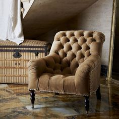 Mayfair Tufted Chair - Chairs / Ottomans - Furniture - Products - Ralph Lauren Home - RalphLaurenHome.com