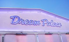 This looks cool. I bet it's a place where artists go to imagine and dream!